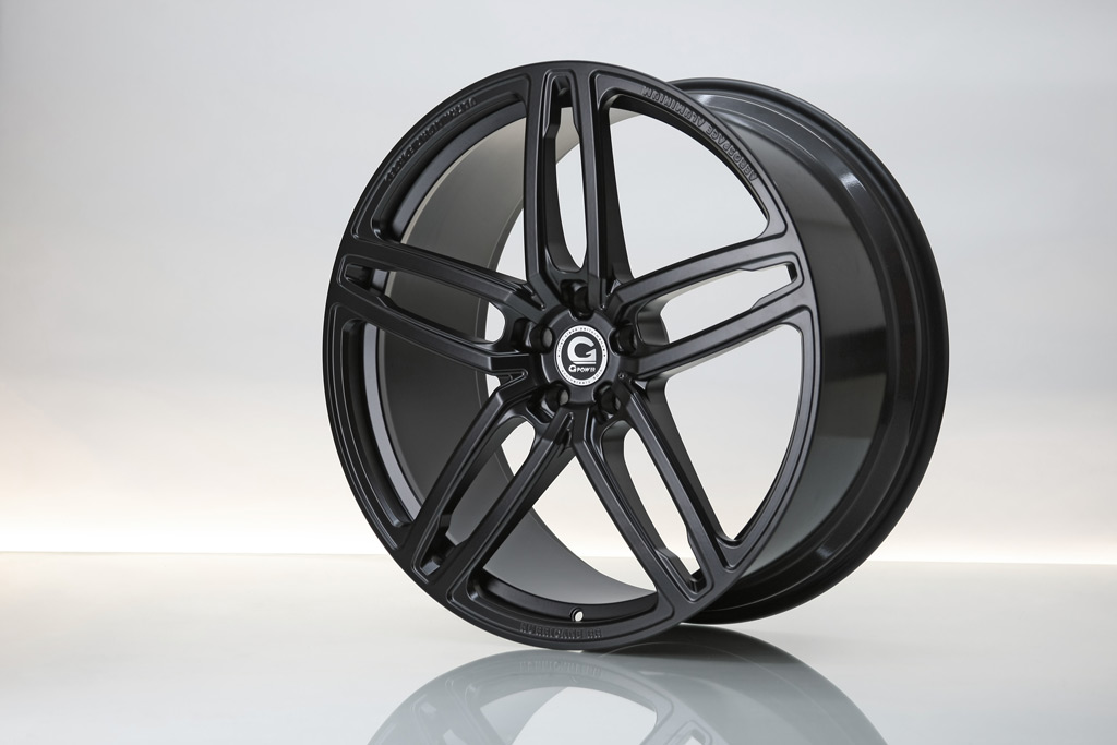 20_hurricane_rr_jet_black_schmiederad_forged_wheel_01